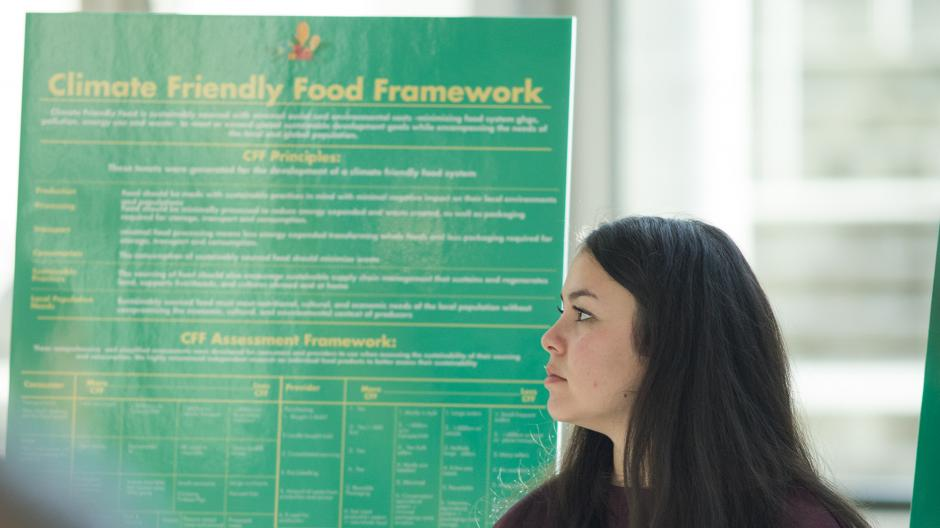 Student attends a climate friendly food event
